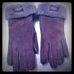 Ugh gray gloves size small
